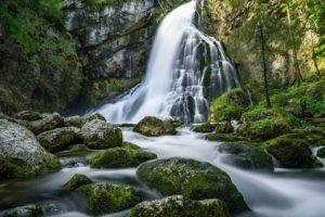 Waterfalls Rocks Moss Mossy  - Themanicpsycho / Pixabay
