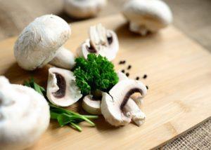 Mushrooms Eat Food Vegetarian  - congerdesign / Pixabay